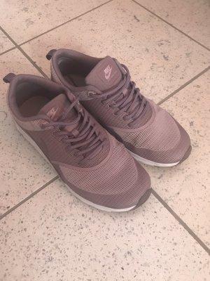 Flieder Nike Air Max Thea