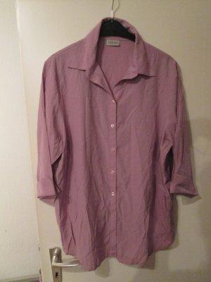 fliederfarbende Bluse