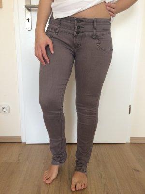 Fliederfarbene violett lila Hose tiefer Sitz Skinny Jeans von Sally Weil Gr. 38