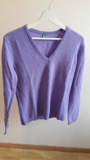 Fliederfarbener sehr weicher Pullover von Benetton Größe M