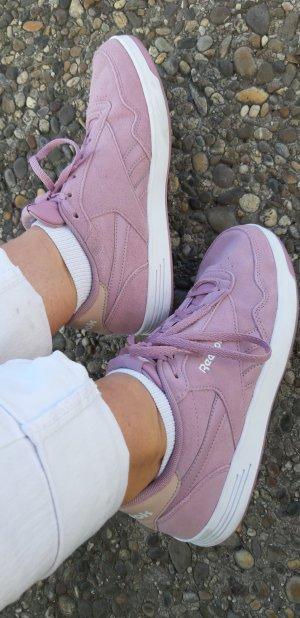 fliedergarbene Reebok Sneaker