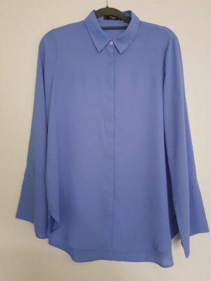 Fließende Bluse in leuchtendem blau