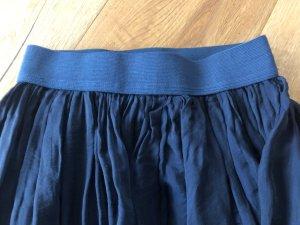 Falda a cuadros azul oscuro