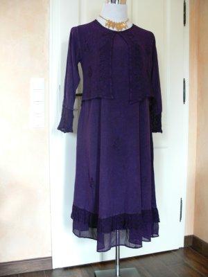 Fließendes Frühlingskleid/ Stiefelkleid, lila, Größe 44-46/ XL mit angearbeitetem Bolero
