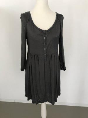 Fließendes Kleid