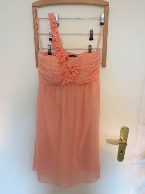 Fließendes Kleid in apricot
