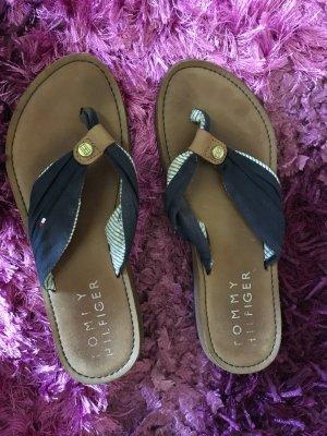 Tommy Hilfiger High-Heeled Toe-Post Sandals dark blue-red