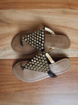 Buffalo Toe-Post sandals