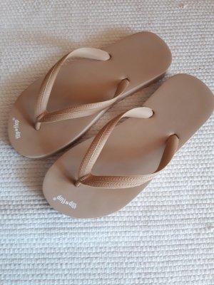 flip flop. Schuhe. beige.