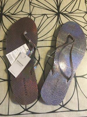 Flip-Flops im Metallic Look