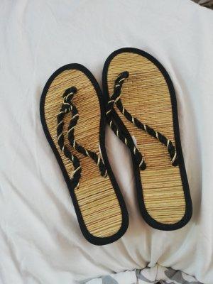 H&M Sandalo infradito nero