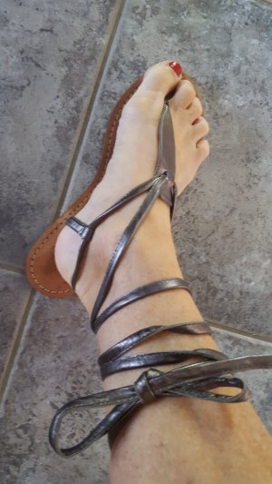 High-Heeled Toe-Post Sandals silver-colored leather