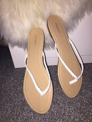 Forever 21 Flip-Flop Sandals beige-white