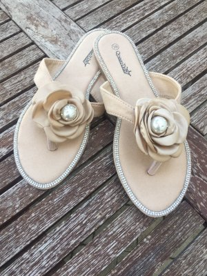 High-Heeled Toe-Post Sandals cream-natural white
