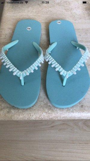 High-Heeled Toe-Post Sandals turquoise-light blue