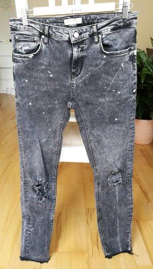 Flippige anthrazitfarbene Jeans