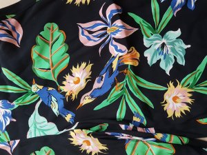 Floral gemusterte, luftige Hose im Culotte Stil #NEU# Zara Grösse L = D 40/D42