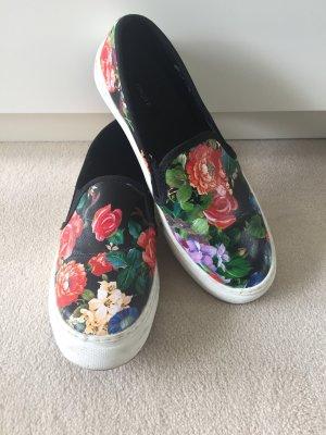 Floral Print Slipper