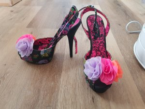 Flower Pumps