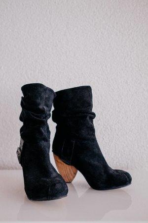 Fly London Wildleder Boots Stiefel Holzabsatz Gr. 39 Schwarz tolle Details