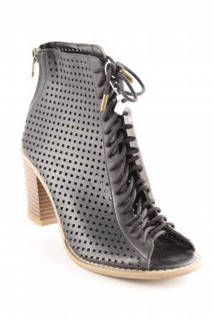 Forever 21 Cut-Out-Stiefeletten schwarz-braun Karomuster Street-Fashion-Look