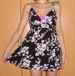 Forever 21 Kleid Blumen Mini NEU