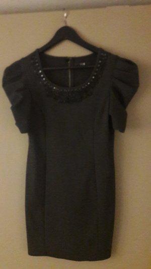 FOREVER 21 - Kleid mit Perlenstickerei