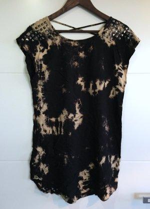 Forever21 T-Shirt im washed Look mit Nieten