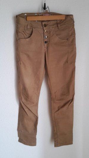 Fornarina Jeans in einem beige Ton.