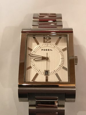 Fossil Watch With Metal Strap silver-colored