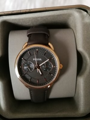 Fossil Watch With Leather Strap dark brown