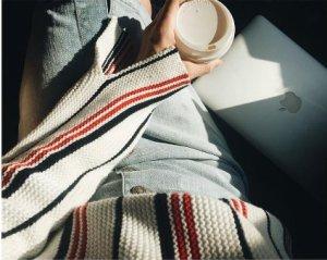 Frame Denim Streifenpullover Wollpullover mit Streifen Sweater mit Längsstreifen