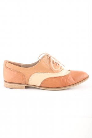 France Arno Zapatos Oxford con puntera nude-crema look casual