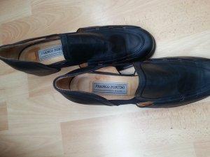 Pumps dark blue leather
