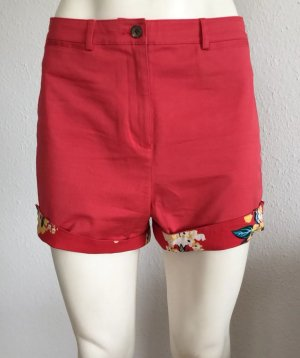 Fred Perry Short GR. 34 korallrot Logo Amy Winehouse