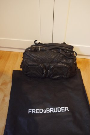 Fredsbruder Tasche schwarz echt Leder fast NEU