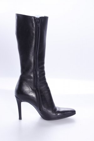 Freelance boots with paragraph