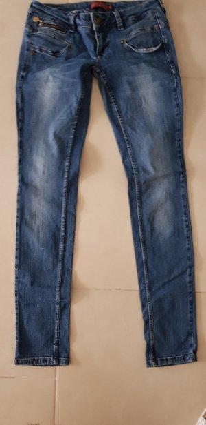 Freemann T. Porter Jeans Modell Alexa