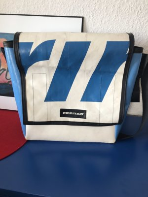 Freitag Messengerbag white-steel blue