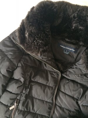 French Connection schwarze Winterjacke mit Kunstpelzkragen