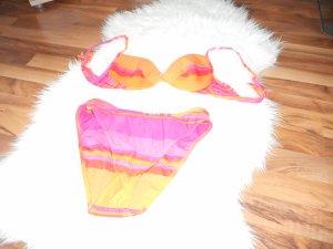 Freundlicher Bikini!
