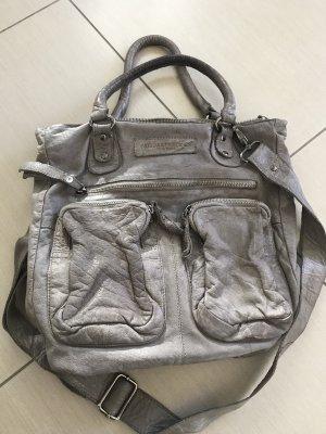 Frieda und Freddies Handtasche