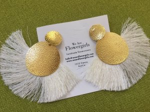 Statement Earrings natural white