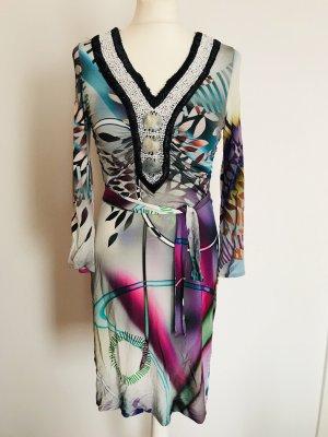 Fröhliches Sommerkleid von Ana Alcazar