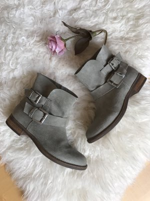 Slouch Boots light grey