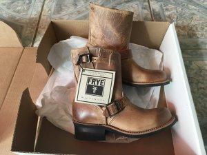Frye Engineer Boots Beige Neu