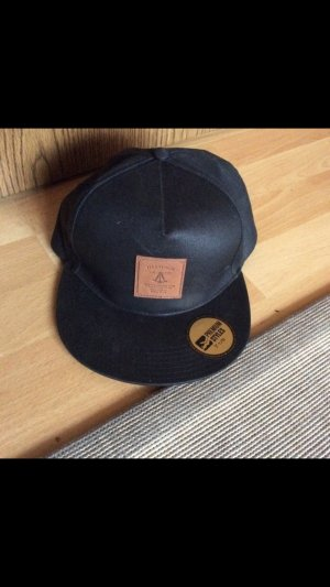 FSBN Headgear Premium Fitted Cap Size 7 1/8 Base Cap