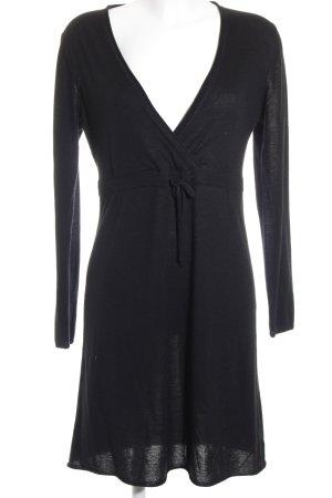 FTC Cashmere Langarmkleid schwarz schlichter Stil