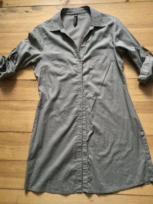 Für den erdigen Safari-Look: Long-Bluse aus feiner Baumwolle