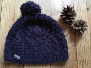 Roeckl Bobble Hat dark violet